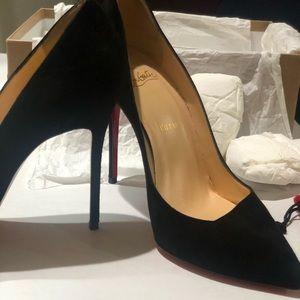 Louboutin size 8.5 (39) Black Corneille Velours